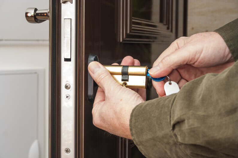 Locksmith Price Guide: What You Can Expect to Pay in Miami for a Locksmith